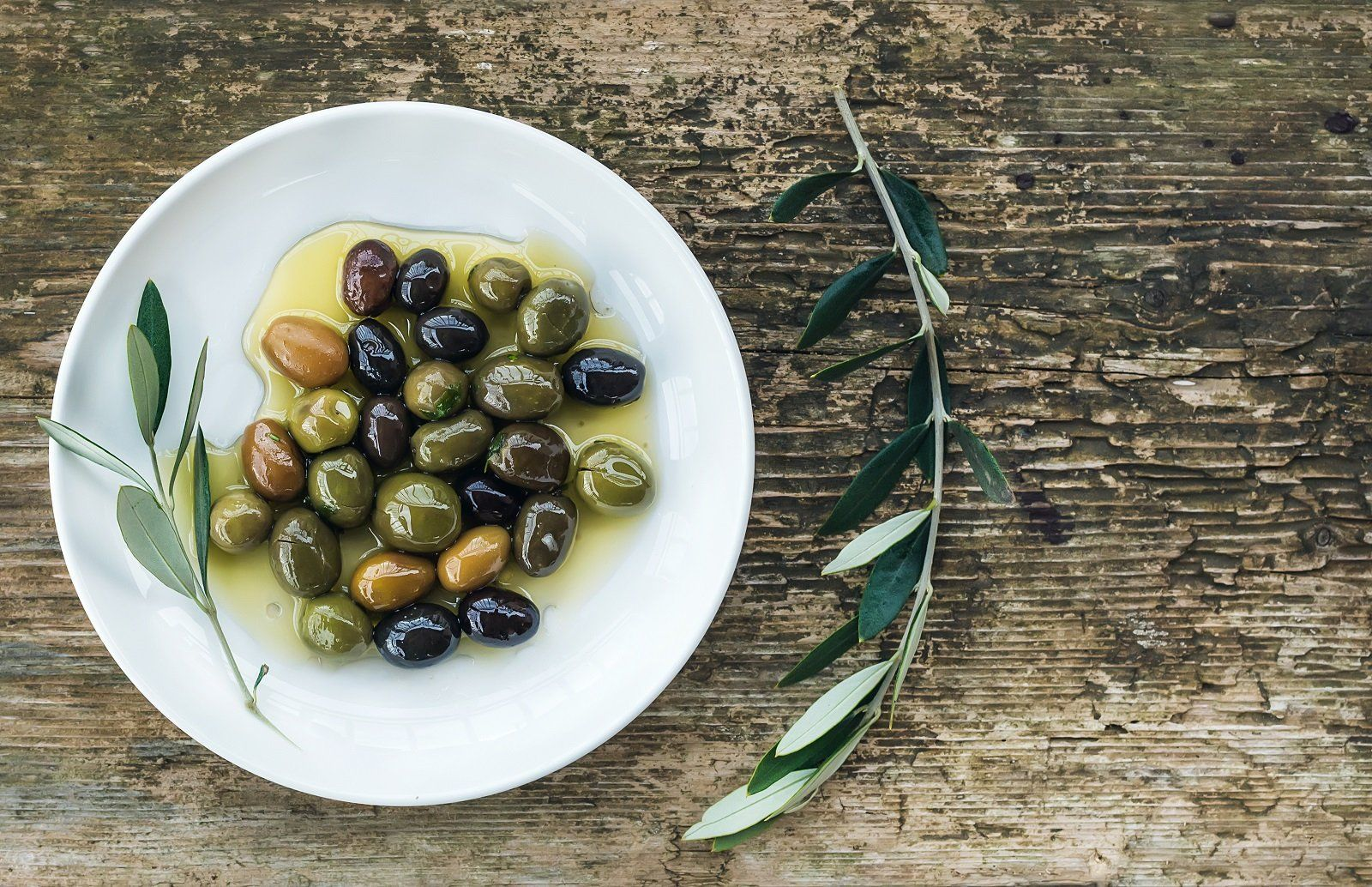 Olives, Sauces & Dips